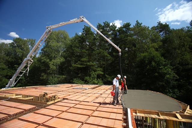 Betonowanie stropu. Fot. Wienerberger