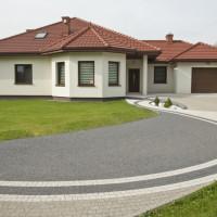 Wokół domu: Rola kontrastów w projektowaniu przestrzeni ogrodowej