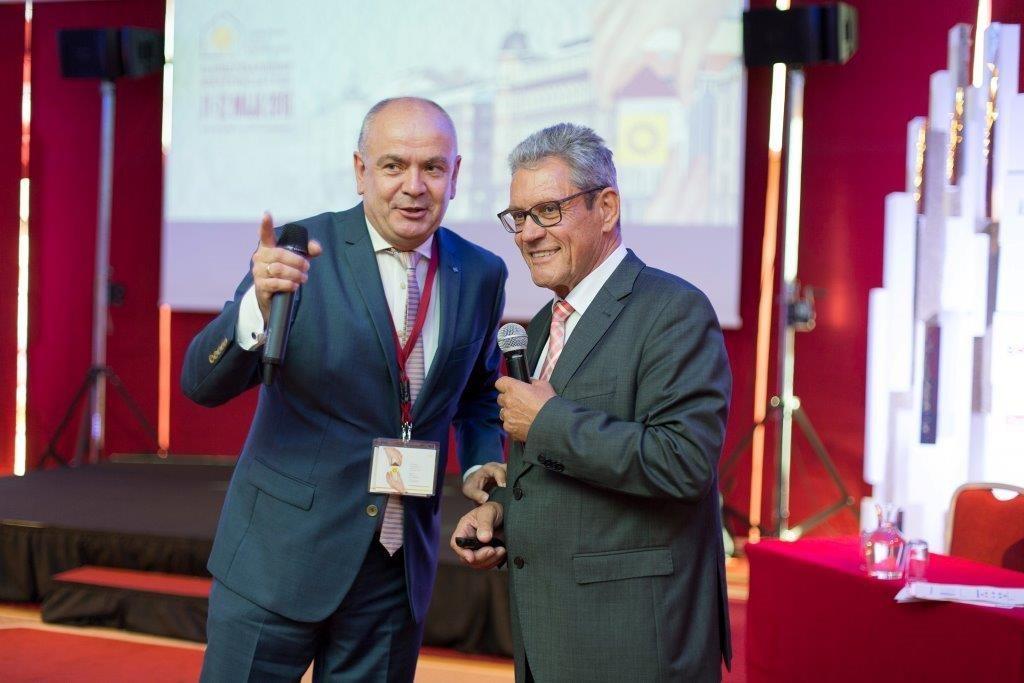 Jacek Michalak i Wolfgang Setzler na konferencji w Ożarowie. Fot. SSO