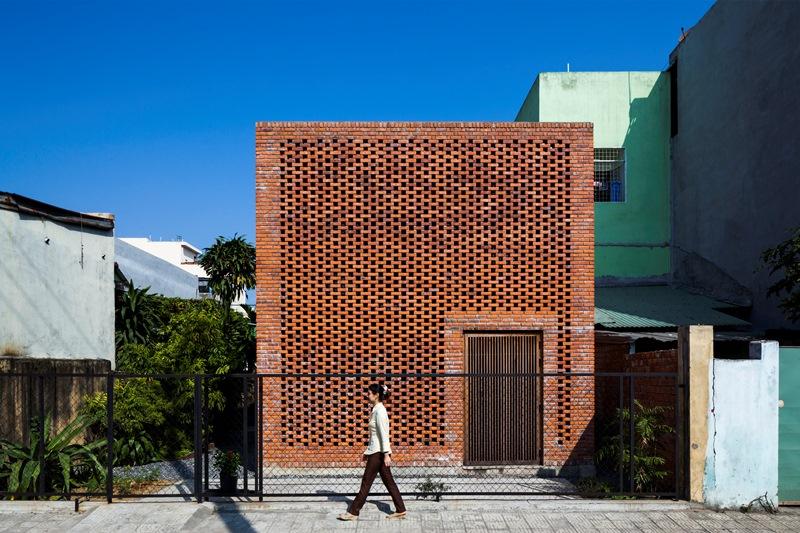 Termitary House (Wietnam) -pracownia architektonicznaTropical Space - zwycięzca w kategoriiResidential Use
