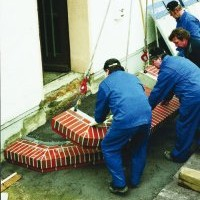 Schody wejściowe: Jak zbudować schody z klinkieru w godzinę