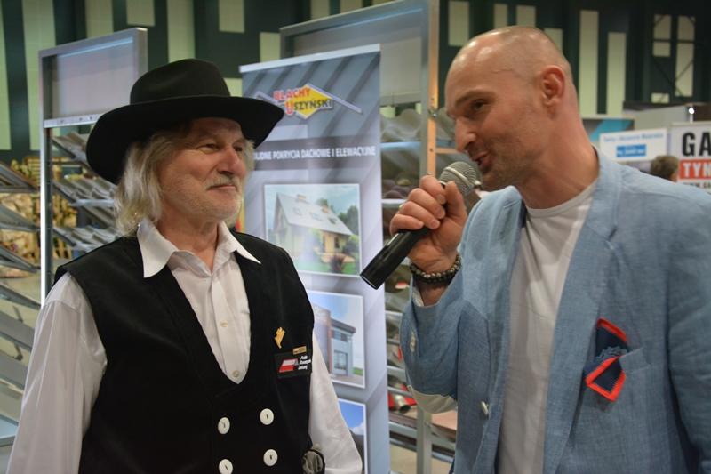 Ryszard Stanok z PSD podczas rozmowy z Dominikiem Strzelcem, prowadzącym targi. Fot. ABC-MEDIA