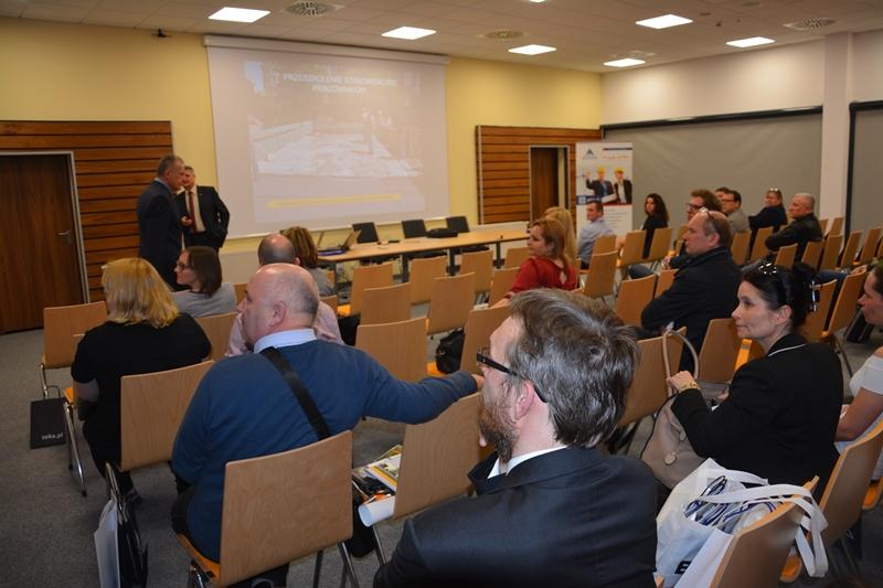 "Konferencja ""BHP to się opłaca"". Na fot. Andrzej Hodyr, Akala Faraone. Fot. ABC-MEDIA"