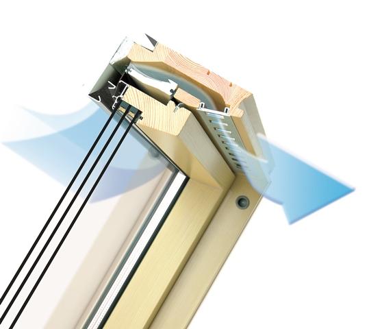 Automatyczny nawiewnik V40P zapewnia optymalną ilość świeżego powietrza na poddaszu oraz poprawę energooszczędności w budynku. Fot. Fakro
