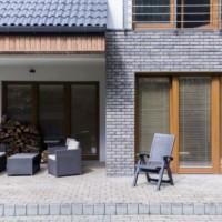Jak zaimpregnować elewację i inne powierzchnie wokół domu?