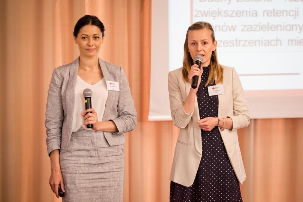 Od lewej: Katarzyna Wiktorowska i Ewelina Klin. Fot. DAFA