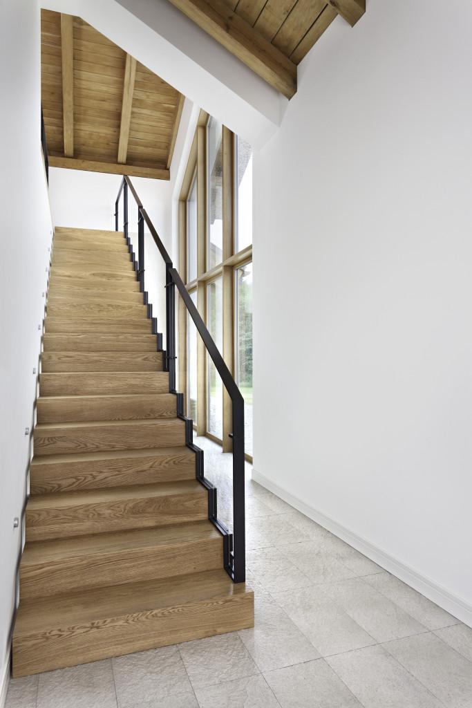Drewniane schody ZETA. Fot. Marchewka Schody - Podłogi - Wnętrza
