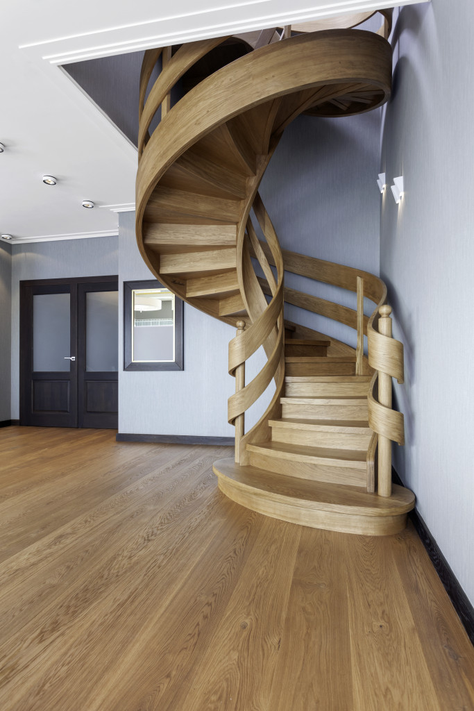 Schody spiralne z drewna. Fot. Marchewka Schody - Podłogi - Wnętrza