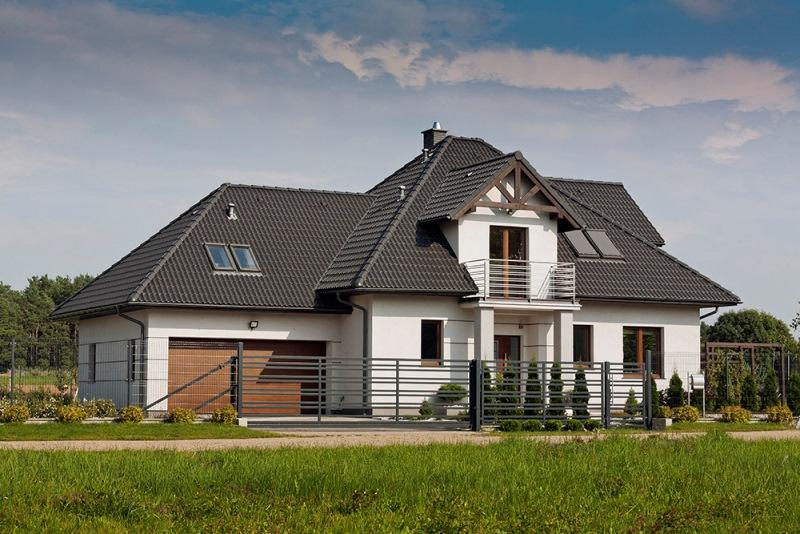 Betonowa dachówka Bałtycka marki Braas w kolorze grafitowym. Fot. z archiwum Monier Braas