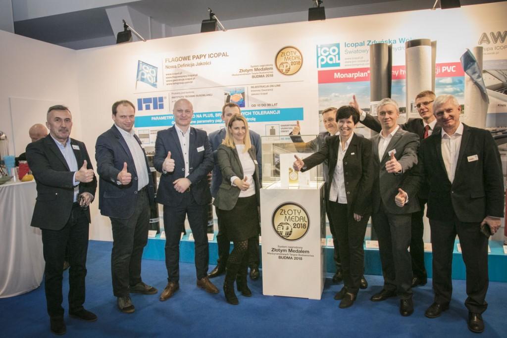 Firmy Monier Braas i Icopal po raz pierwszy razem zaprezentowały swoje produkty i systemy dachowe na wspólnym stoisku BMI Group w ramach Międzynarodowych Targów Architektury i Budownictwa BUDMA.  Fot. Monier Braas