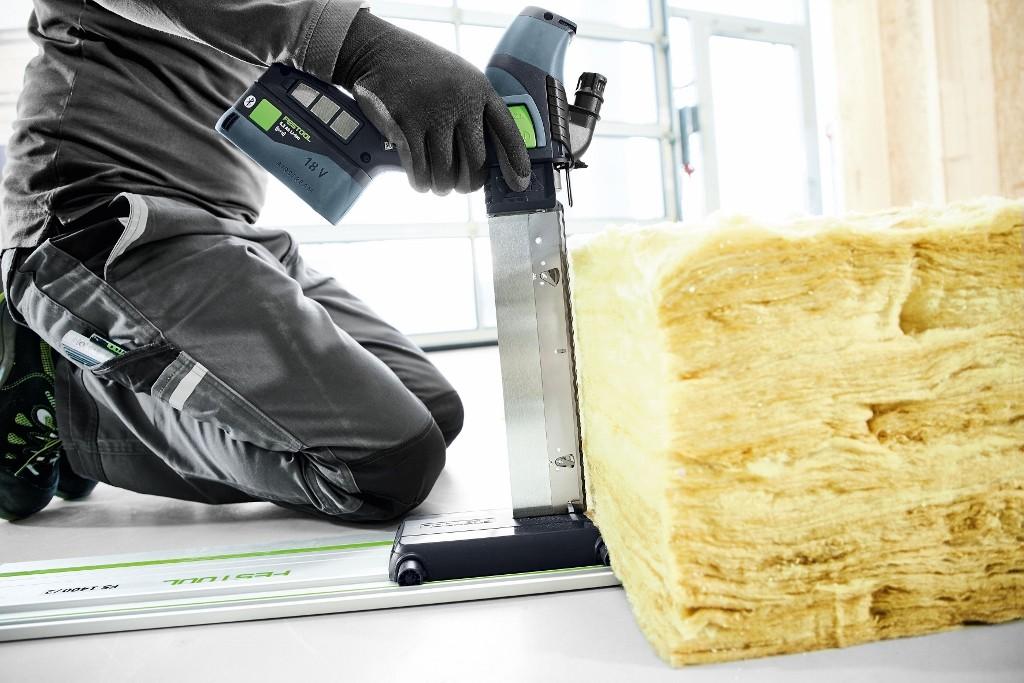 Niezwykle elastyczna w użyciu: akumulatorowa pilarka do materiałów izolacyjnych ISC 240 Festool. Fot Fedstool GmbH