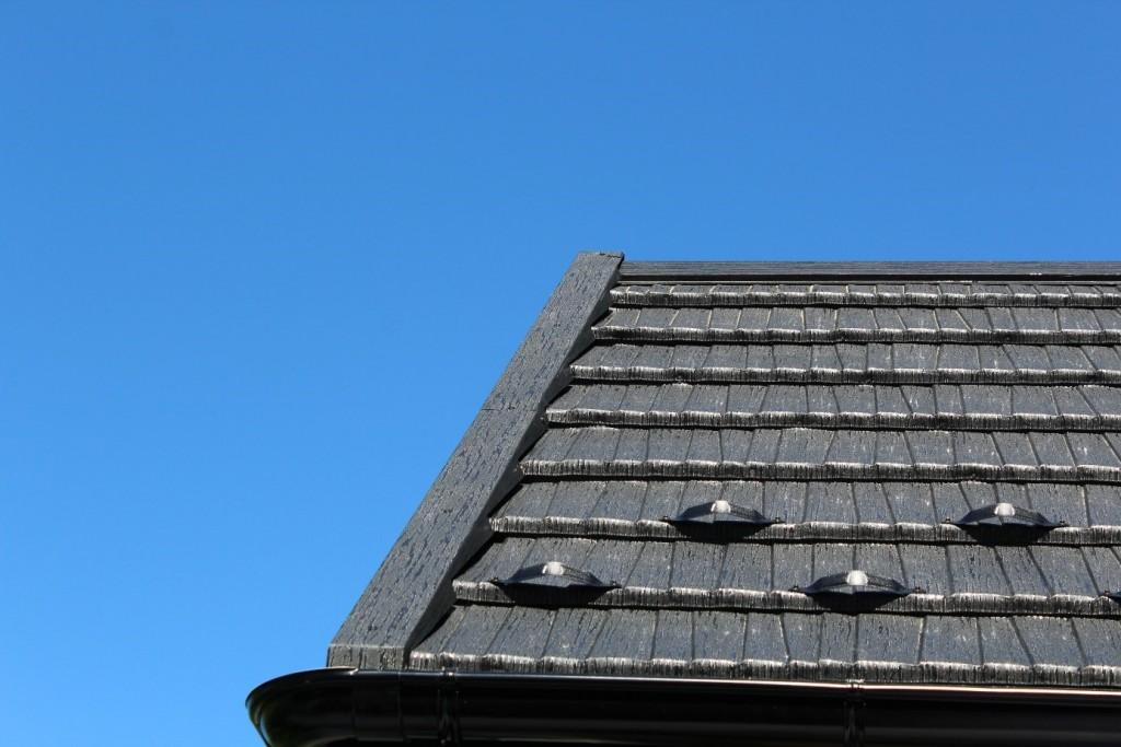 Dach pokryty gontem blaszanym JANOSIK. Fot. Blachotrapez