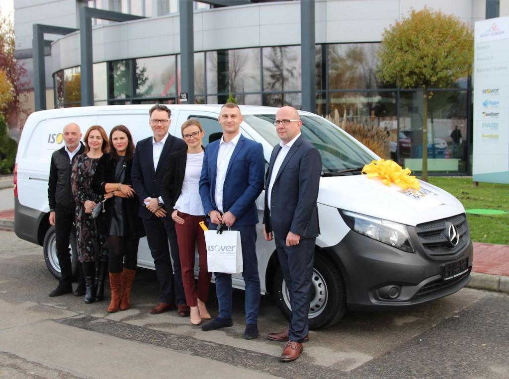 """Główną nagrodą w VII edycji programu """"Mistrzowie Izolacji"""" był samochód dstawczy marki Mercedes VITO. Fot. Isover"""