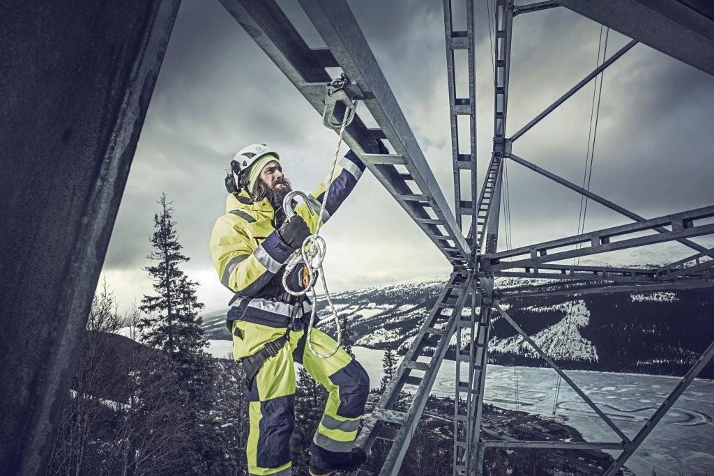 Ubrania robocze Blåkläder są chętnie wykorzystywane przez profesjonalistów pracujących w ekstremalnych warunkach, a przez to potrzebujących najwyższej jakości odzieży. Fot. Blåkläder