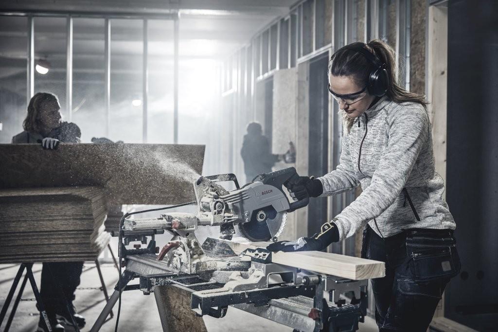 Oferta Blåkläder została stworzona w oparciu o wieloletnie doświadczenie firmy oraz stałą współpracę z grupami testerów, pomagających dopasować ubrania do potrzeb konkretnych grup użytkowników.  Fot. Blåkläder