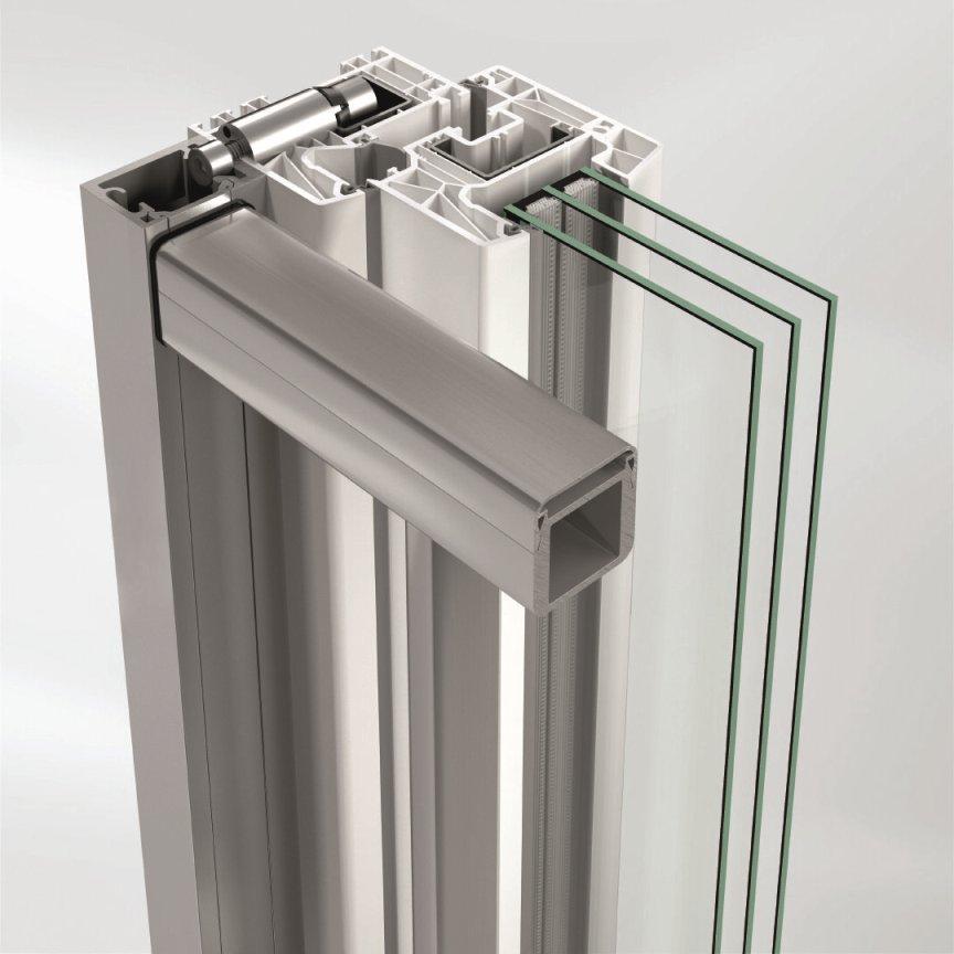 Przekrój przez okno Schüco LivIng z nową ażurową balustradą – wariant mocowania za pomocą dybla profilowego. Fot. Schüco