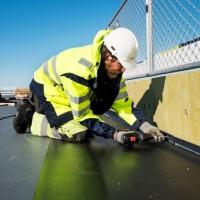 Membrany dachowe z PVC. Fachowe rozwiązanie w izolacji wodnej dachów